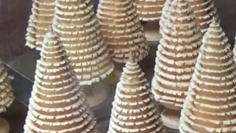 Arvore De Natal Feita De Madeira, Veja Que Trabalho Fantástico!