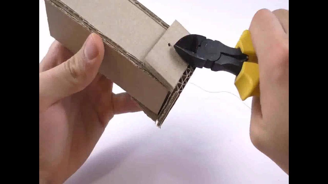 Como fazer um fliperama de corrida com papelão