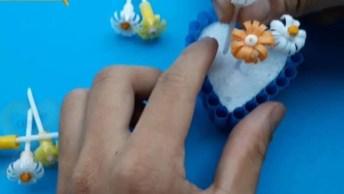 Enfeite De Flor Pequenas Feito Com Canudinhos De Bebidas, Que Lindo!