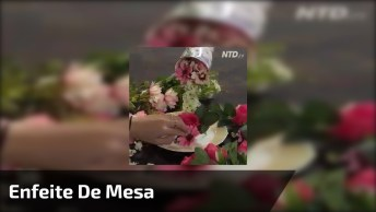 Enfeite De Mesa Com Vaso Derramando Flores, Uma Ótima Ideia!
