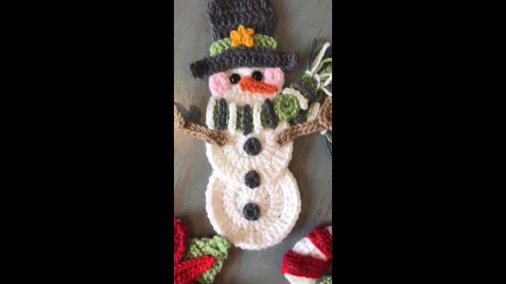 Enfeites de natal todos feitos de crochê