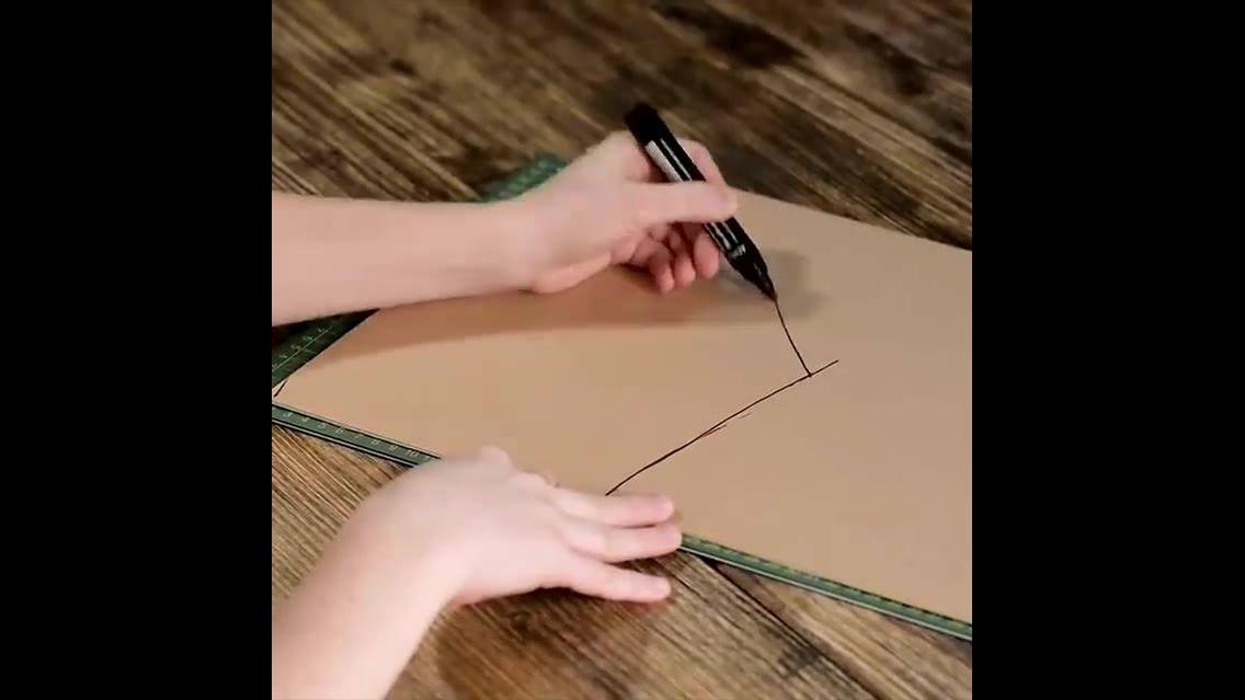 Fazendo uma casinha de bruxa com papelão
