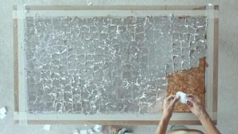 Fazendo Uma Obra De Arte Em Uma Mesa Com A Ajuda Do Artesanato!