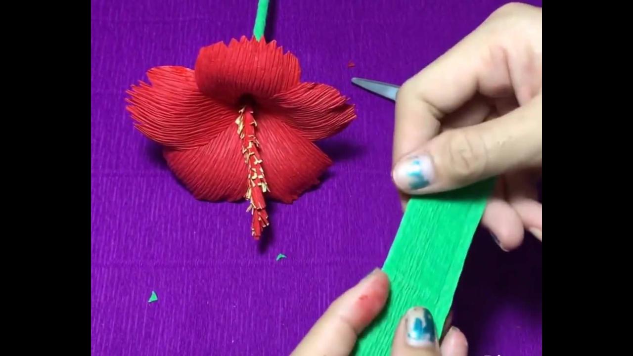 Flor de hibisco de papel crepom linda