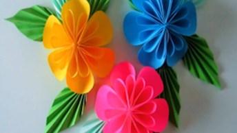 Flor Feita Com Dobraduras E Colagens, Fica Muito Linda!