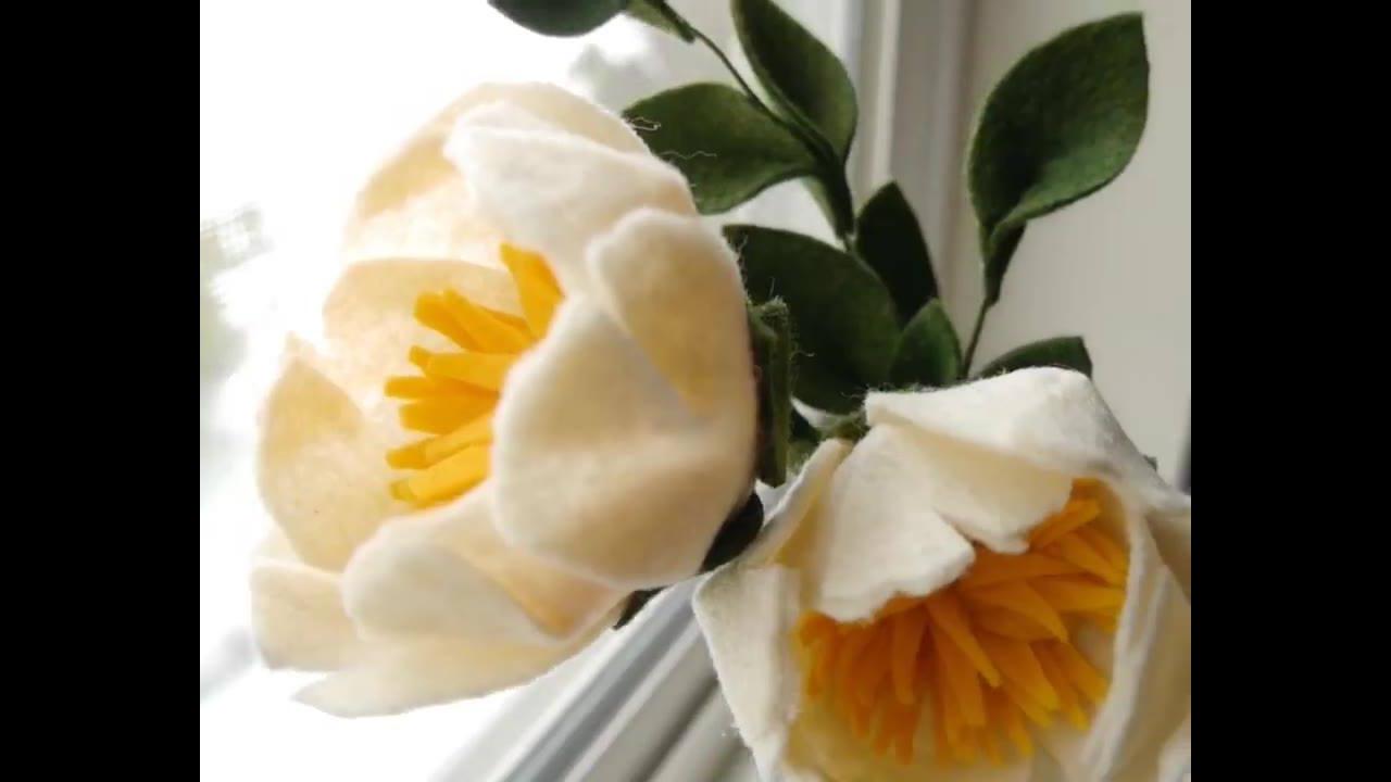 Flores feitas de feltro para decorar