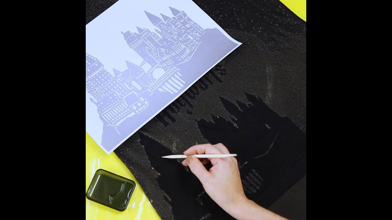 Ideias legais para fazer estampa em camisetas pretas que ficam incríveis