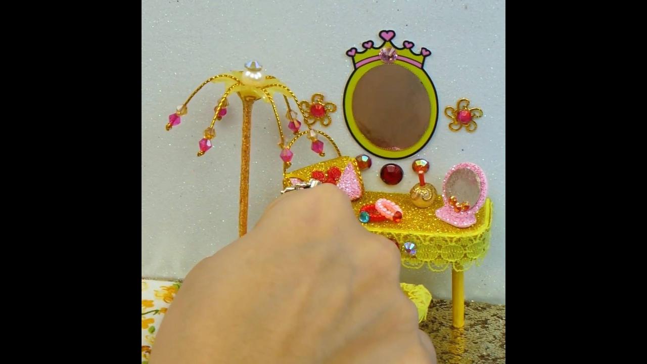 Miniatura de quarto com tema de princesa