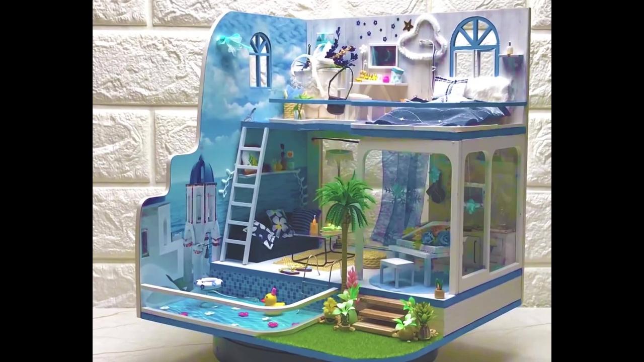 Vídeo mostrando construção de casinha em miniatura