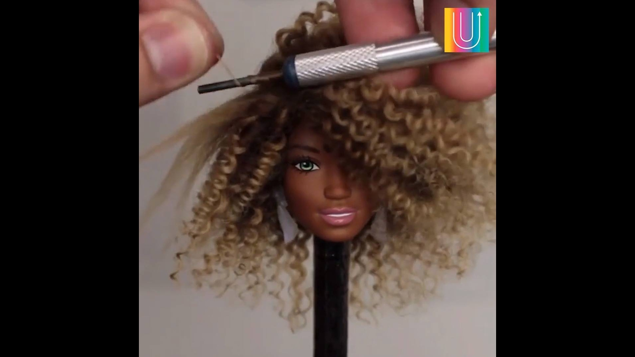Bonecas que tem cabelos mais estilosos que muitas mulheres