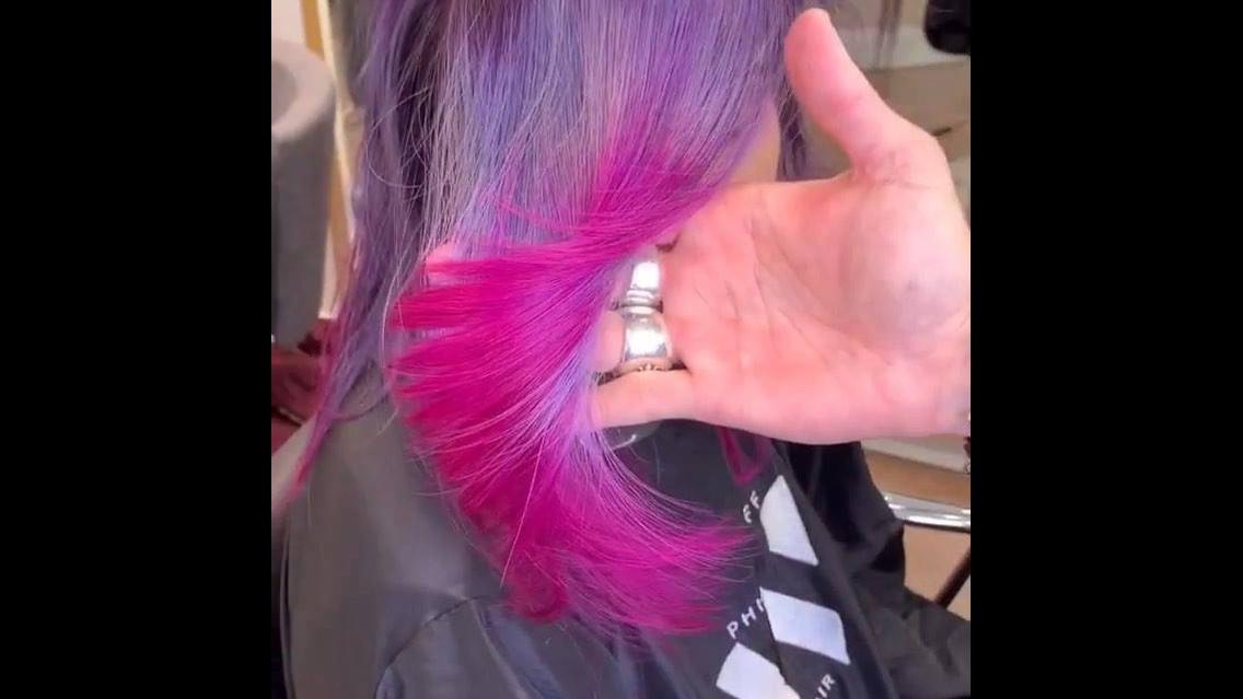 Cabelos coloridos, mais um que deixa qualquer mulher encantada!