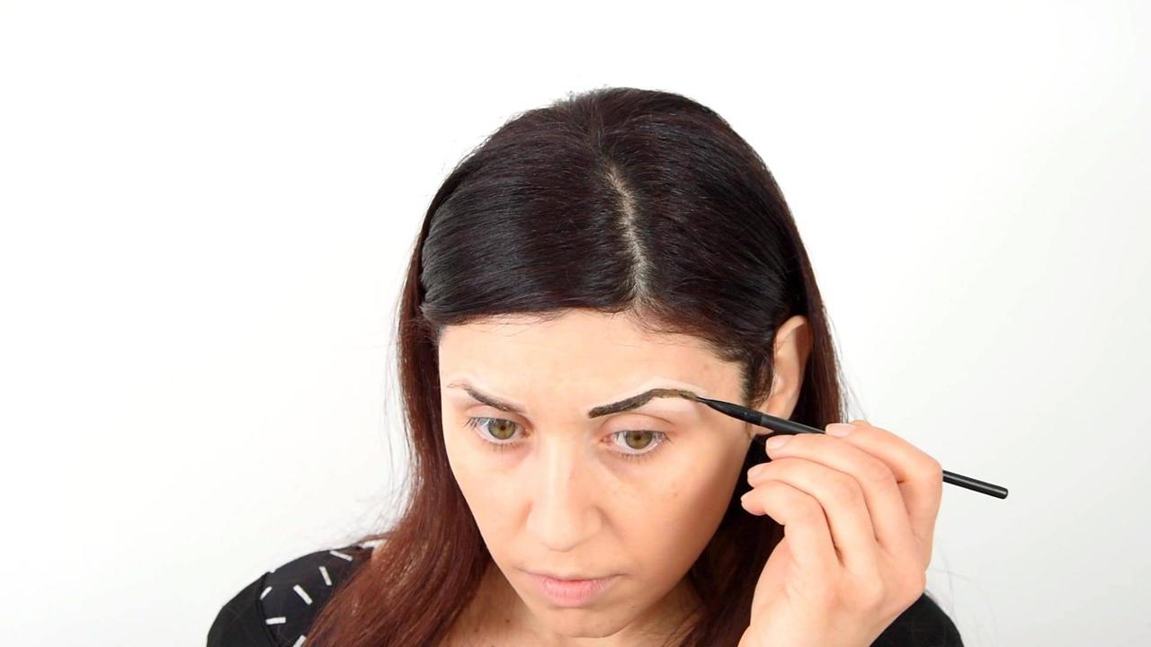 Correção de sobrancelhas com henna, olha só que linda que fica!!!