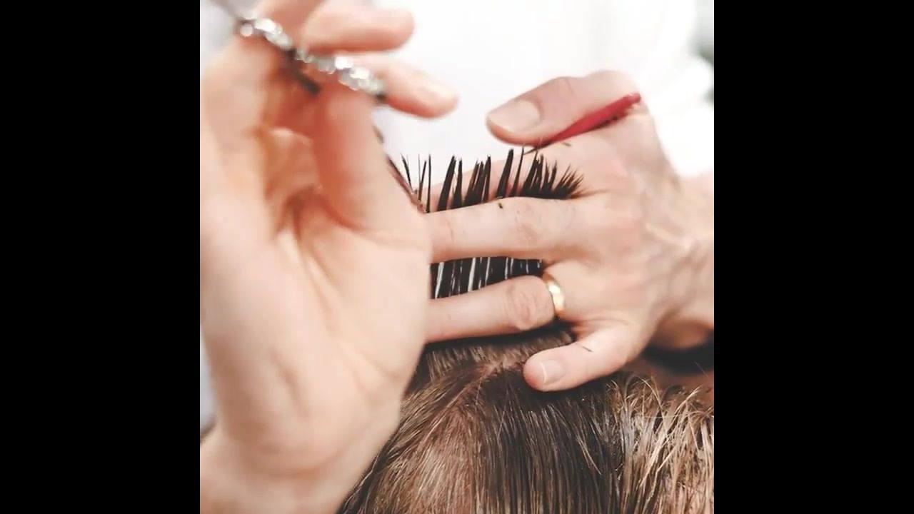 Corte e tingimento de cabelo masculino