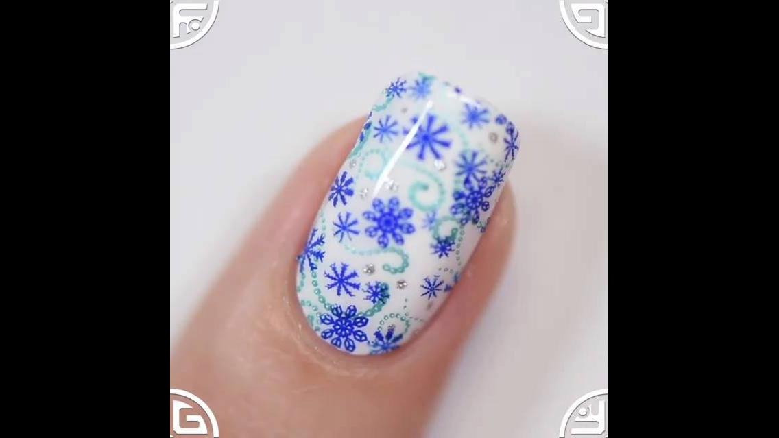 Decoração de unhas para fazer em esmalte branco
