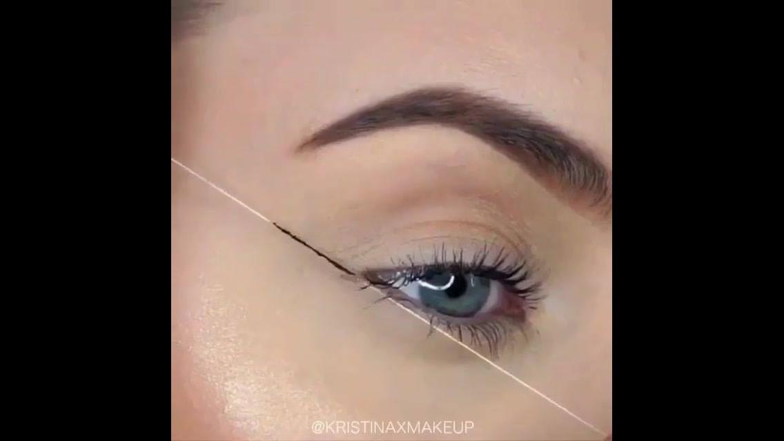 Delineando os olhos com a ajuda de uma linha