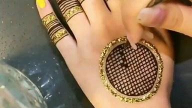 Desenho De Henna Nas Mãos, O Resultado É Sensacional, Confira!