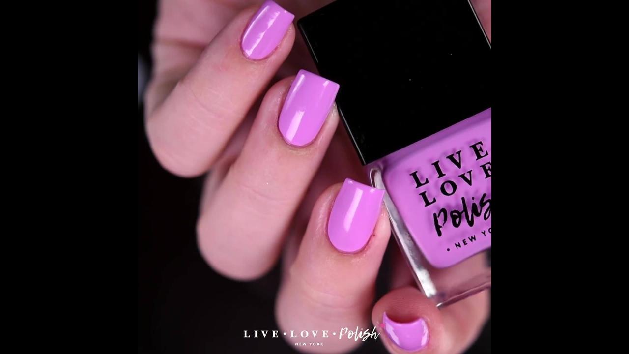 Esmalte rosa lindo para quem gosta de unhas clássicas