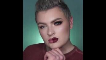 Homem Ensinando Duas Maquiagens Para Mulheres, Qual Lado Você Gostou Mais?