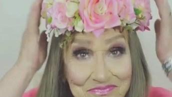 Idosa Sendo Transformada Pela Maquiagem, Ela É Linda Com E Sem Make!