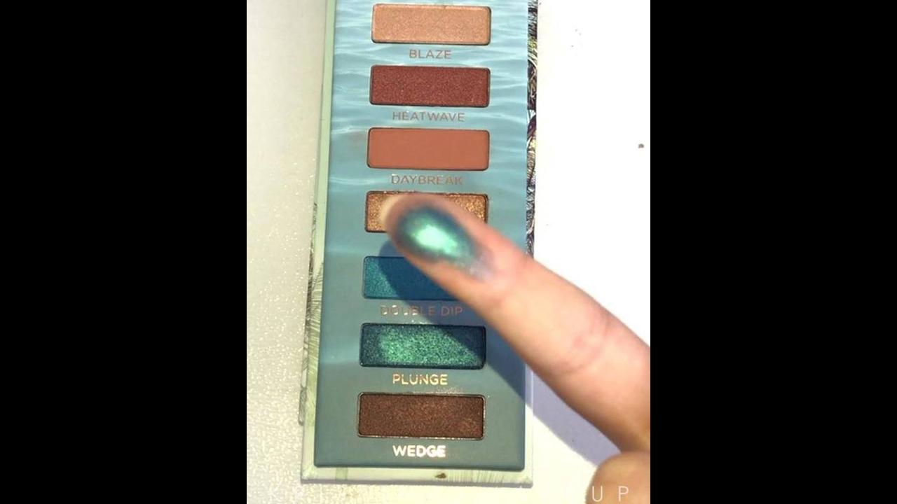 Inspiração de maquiagem com esfumado marrom e sombra verde linda