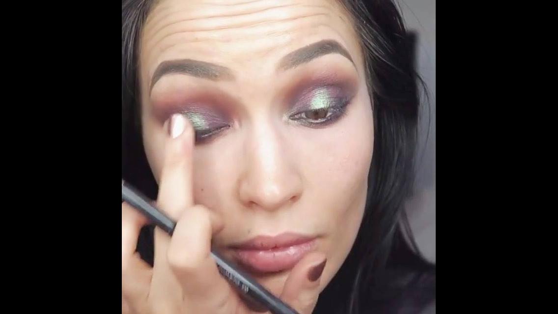 Inspiração de maquiagem com sobra marrom opaca