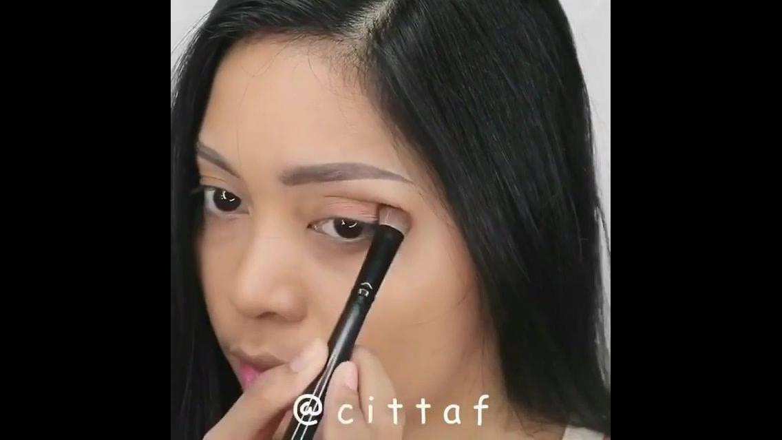 Inspiração de maquiagem natural para eventos informais