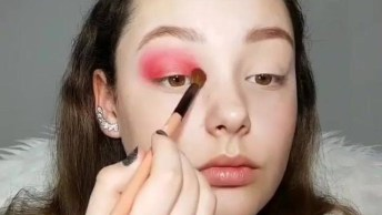 Inspiração De Maquiagem Para Garotas Com Sombra Vermelha, Confira Que Linda!