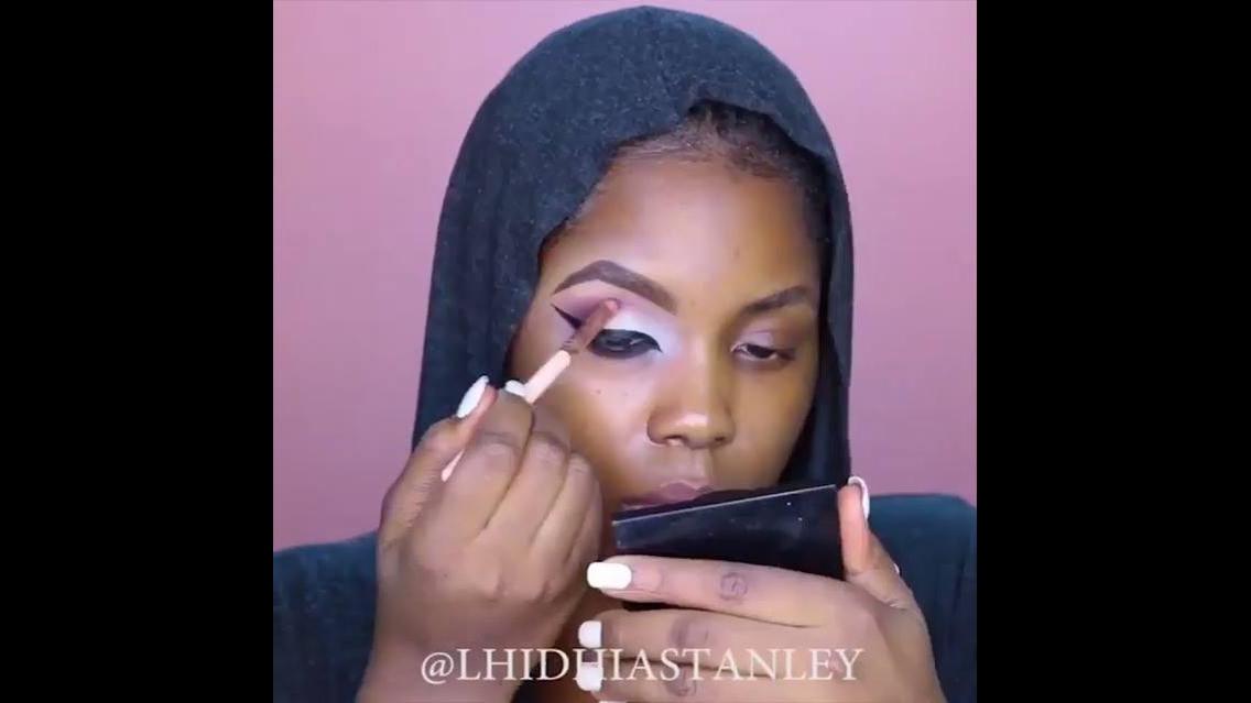 Inspiração de maquiagem para o Halloween, olha só que legal esta make!!!
