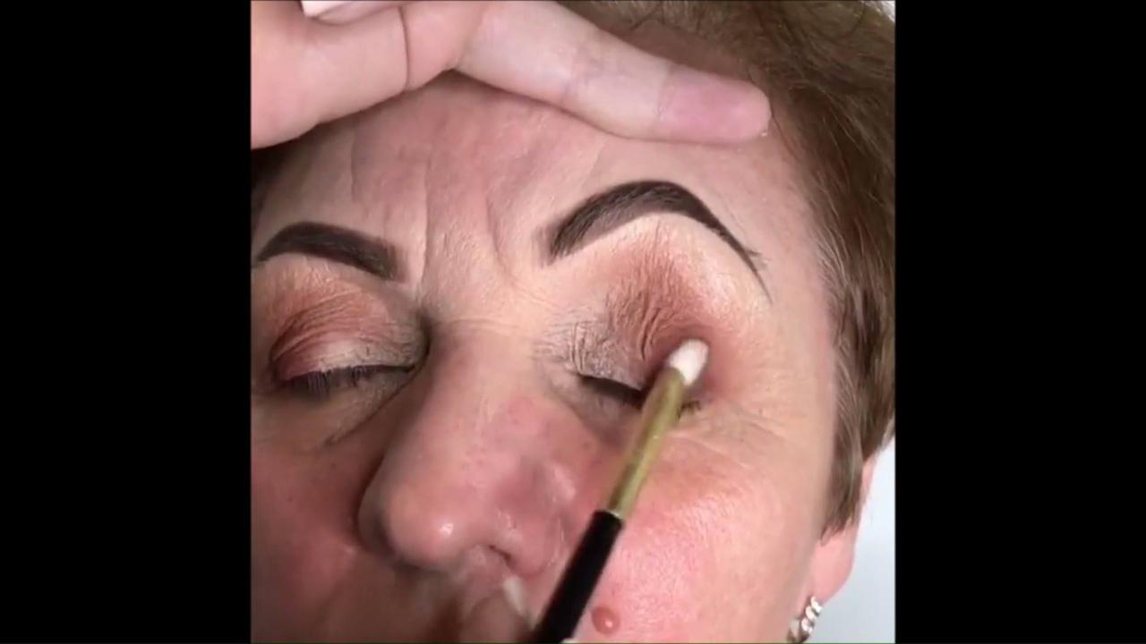 Inspiração de maquiagem para pele madura