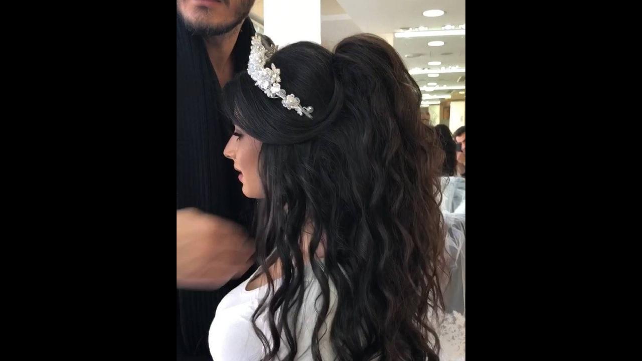 Inspiração de penteado para noivas com tiara e cabelo solto, veja que lindo!!!