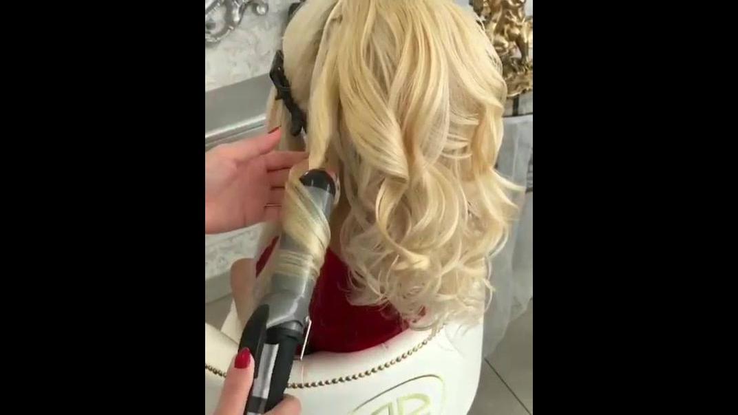 Inspiração de penteado todo trabalhado para formandas