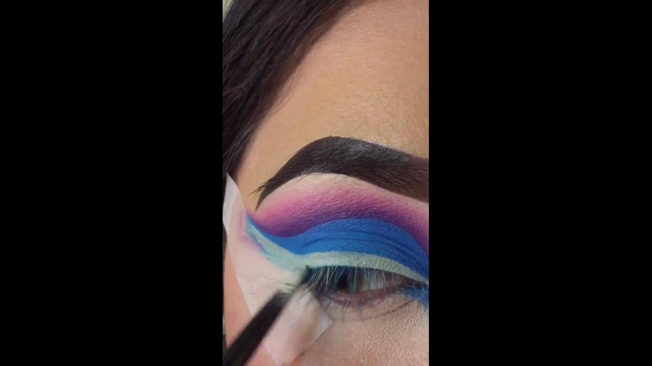 Inspiração de sombra colorida nas cores lilas
