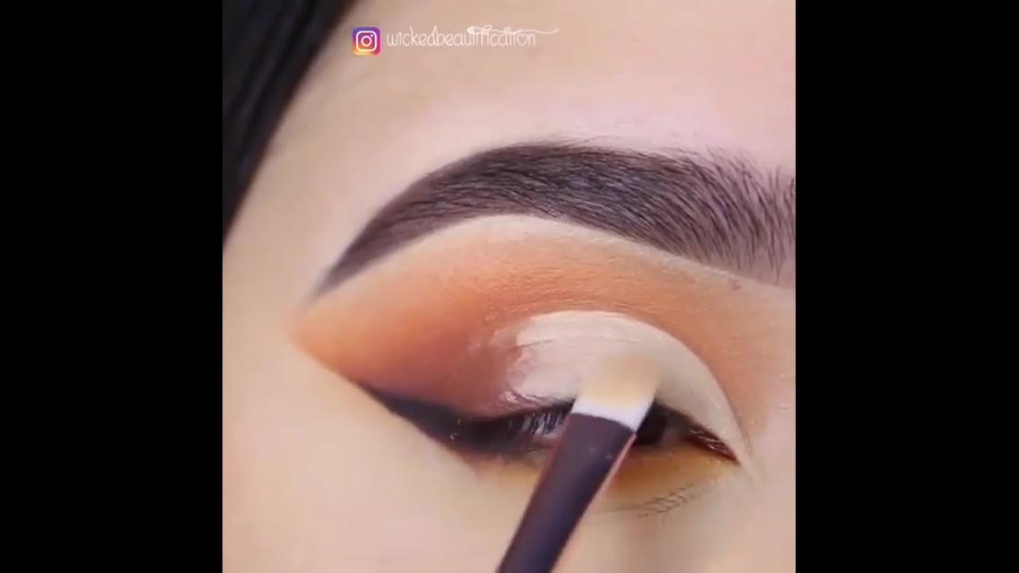 Inspiração de sombra para os olhos marrom com delineado preto!!!