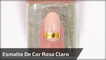 Inspiração De Unha Com Esmalte De Cor Nude, E Detalhe De Fita Dourada!