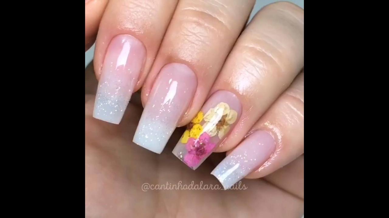 Inspiração de unhas decoradas para você fazer no fim de semana