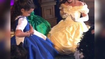 Lindo Vestido De Plebeia Que Se Transforma Em Um Lindo Vestido De Princesa!