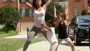 Mamães Malhando Com Seus Filhos, Olha Só Que Legal Este Vídeo!