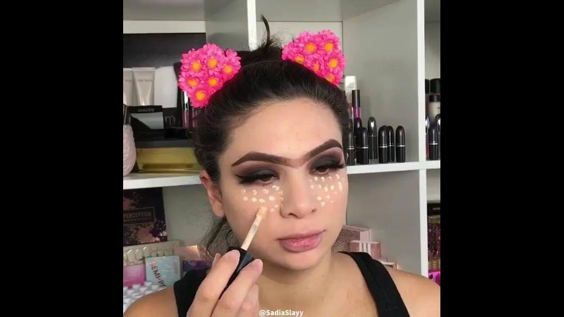 Maquiagem bonita para ir a uma festa, com preparação da pele!