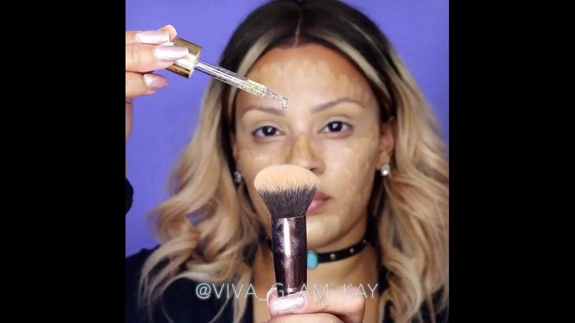 Maquiagem com batom marrom, ficou muito linda