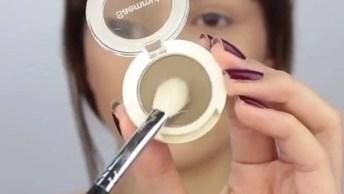 Maquiagem Com Batom Vermelho Que Chama A Atenção, Confira!