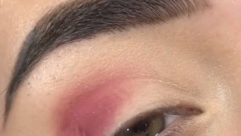 Maquiagem Com Brilho Discreto, O Resultado É Maravilhoso, Confira!