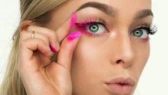 Maquiagem Com Delineado E Cílios Cor De Rosa, Olha Só Que Legal!