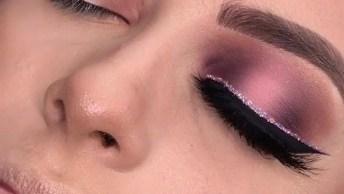 Maquiagem Com Delineado Preto E Rosa Brilhante, Que Maravilhosa!