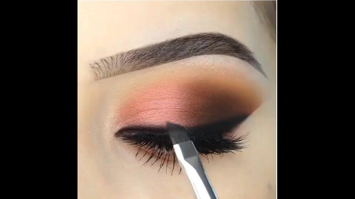 Maquiagem com delineado