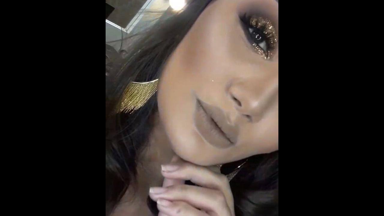 Maquiagem com esfumado cinza e sombra prata