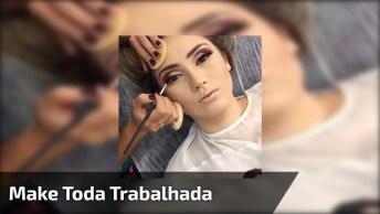 Maquiagem Com Esfumado Marrom, E Sombra Clara Na Pálpebra Móvel, Muito Linda!