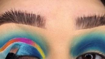 Maquiagem Com Esfumado Verde Água, E Sombra Azul, Com Detalhe Colorido!