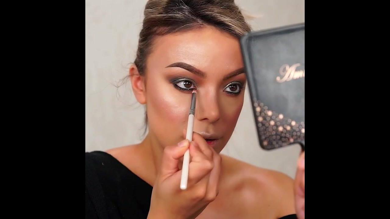 Maquiagem com sombra cinza, esfumado marrom