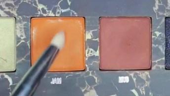 Maquiagem Com Sombra Dourada, E Delineado Duplo, Uma Maravilhosa Inspiração!