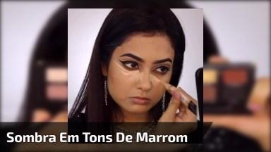 Maquiagem Com Sombra Em Tons De Marrim, E Sombra Clara Na Pálpebra Móvel!